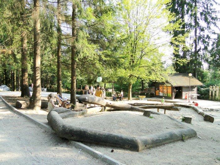 ljubljana-zoo-snake-playground