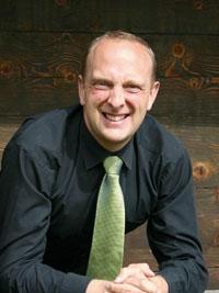 Jeremy Hibbins, ustanovitelj Britanske mednarodne šole v Ljubljani