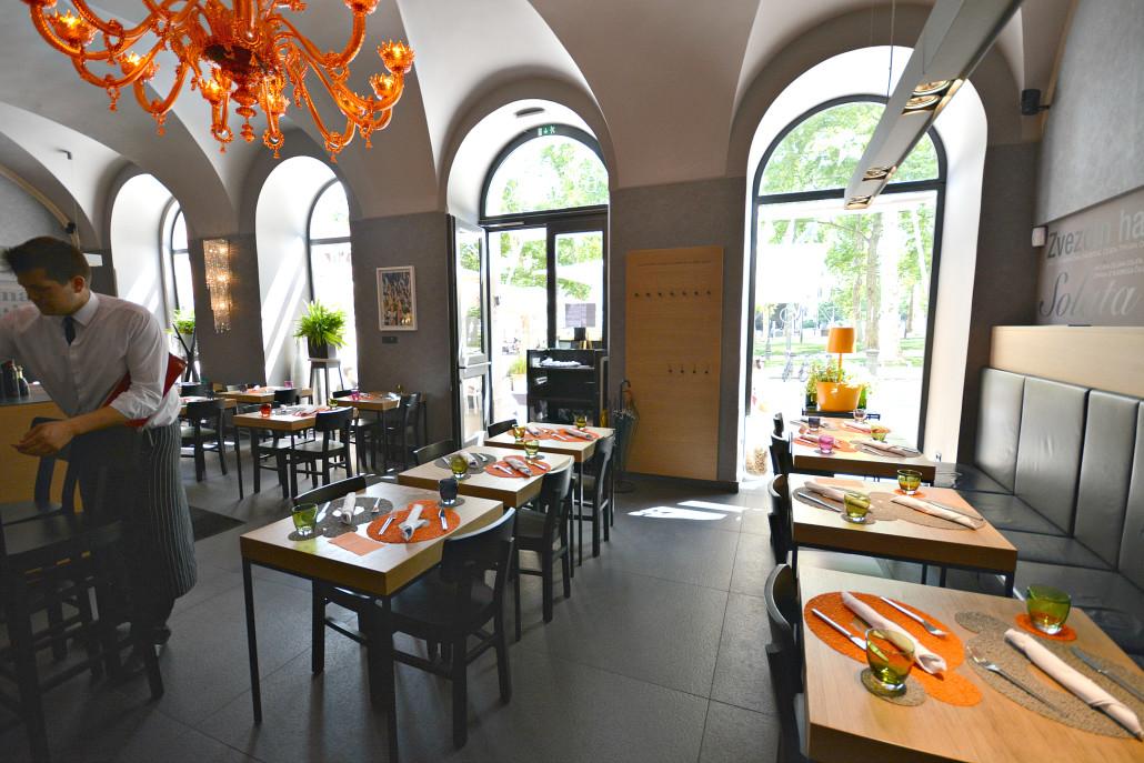 Ljubljana Restaurant Zvezda interior