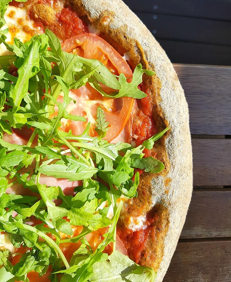 Trattoria Azur Ljubljana, Hemp dough pizza