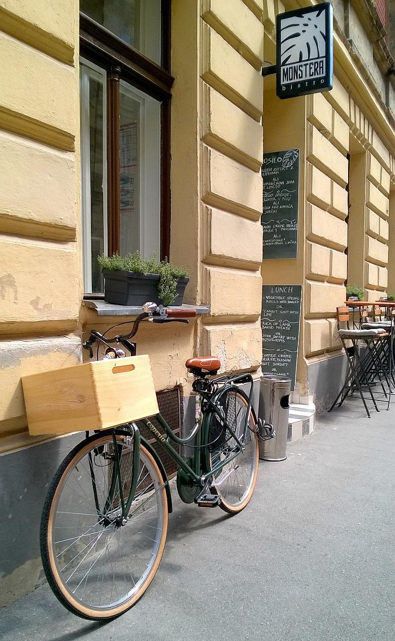 Monstera Bistro Ljubljana entrance & terrace
