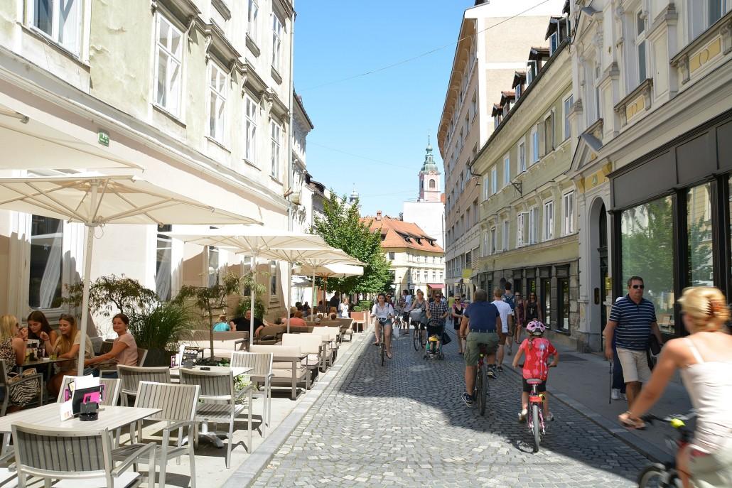 Ljubljana Zvezda pastry shop garden