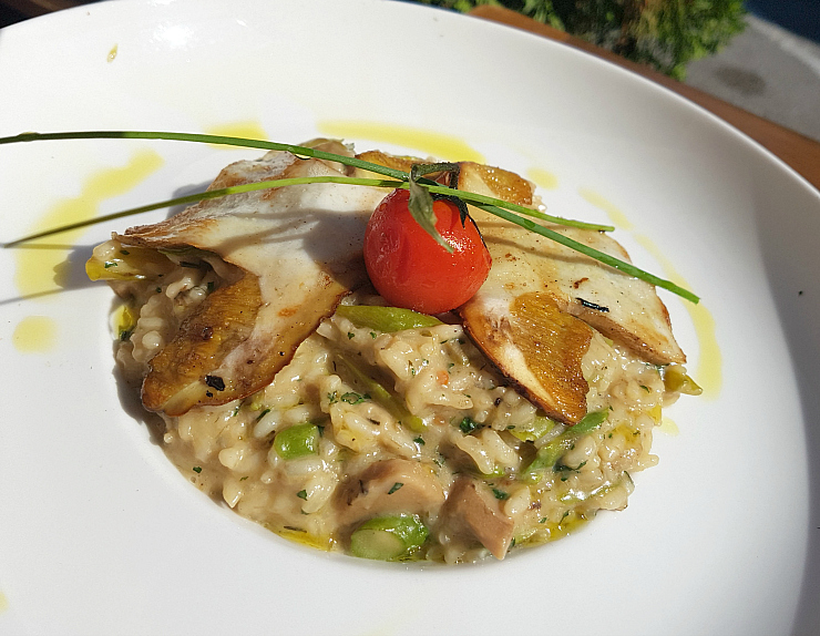 Trattoria Azur Ljubljana, Risotto with Porcini Mushrooms and Asparagus