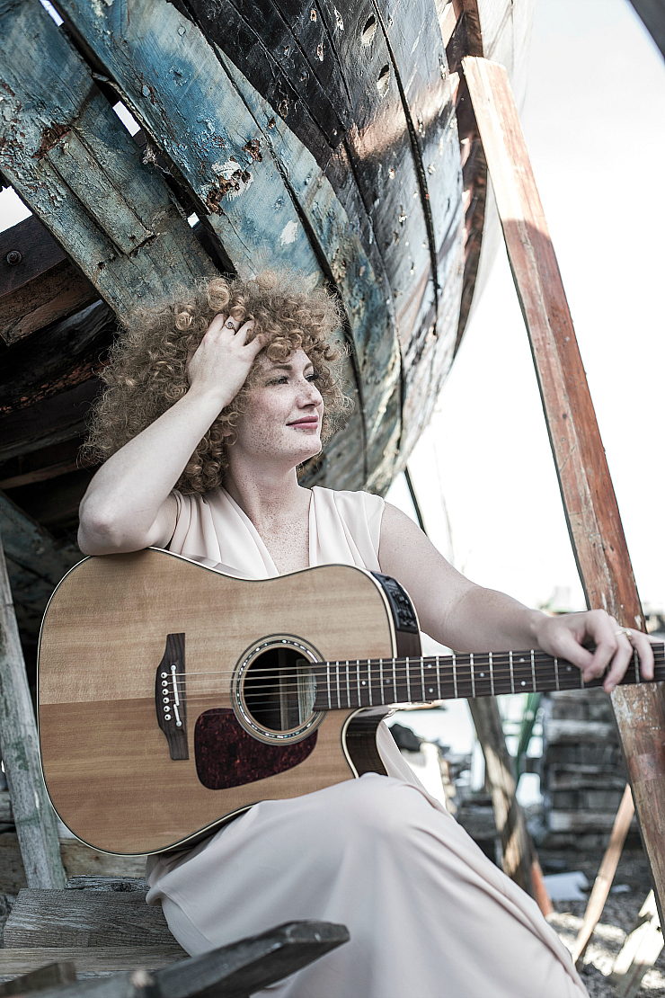 Donna Marina Martensson, singer and multi-instrumentalist